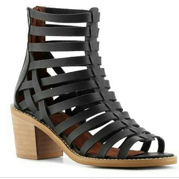 de59f1c23f38 Crown Vintage Shoes - Crown vintage gladiator sandals